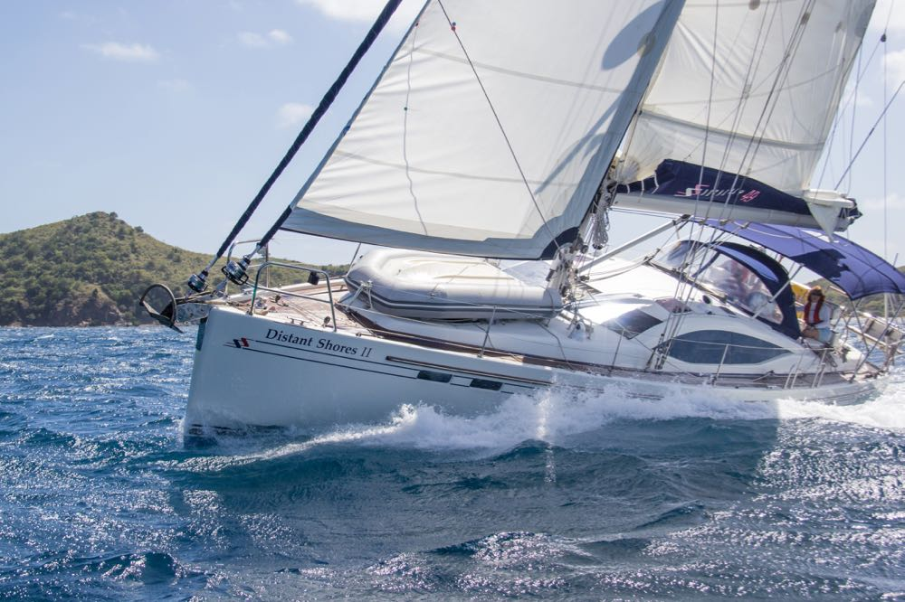 southerly-49-swing-keel-sailing-upwind